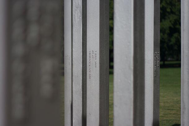 7_7_monument1