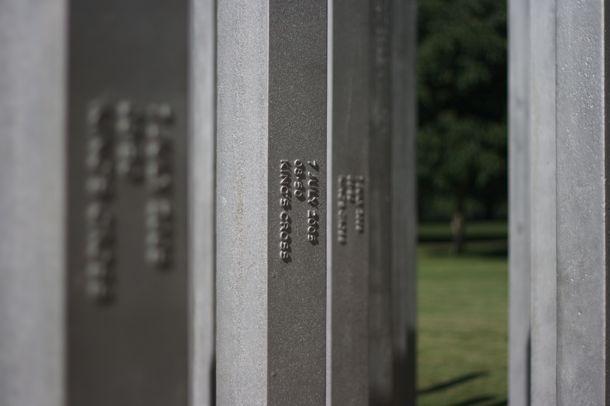 7_7_monument2
